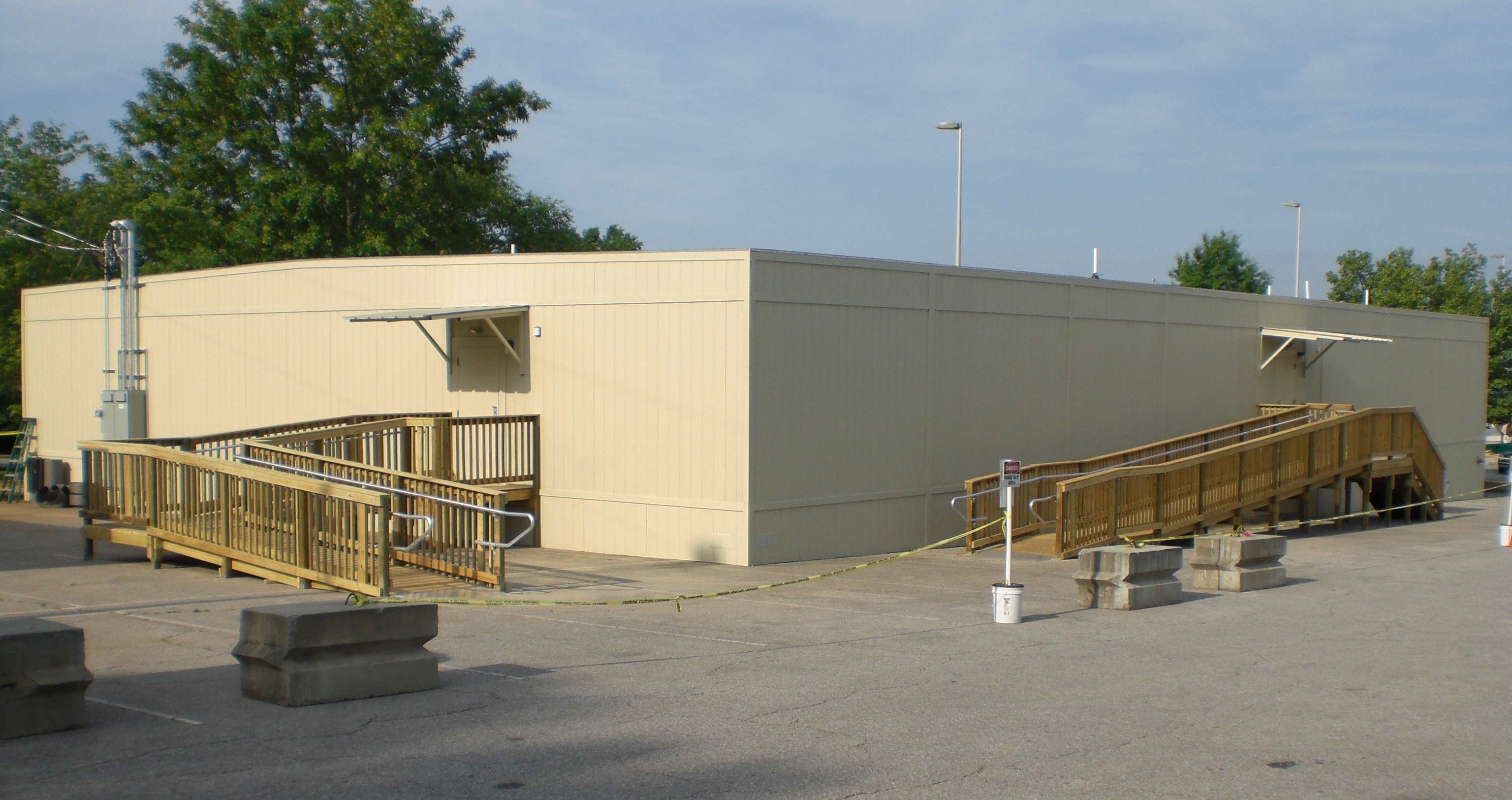 Building Modular building exterior photo examples - integrated modular solutions